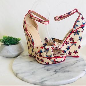 Shoe Dazzle | Beige Patriotic star pattern wedges